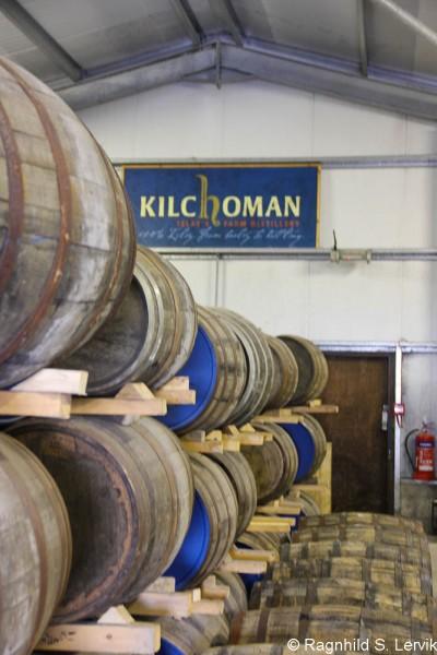 Hysj! Whiskyen hviler. Og fatene jobber.