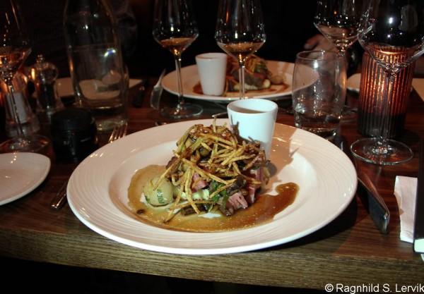 Grillet entrecôte, glaserte delikatesseløk, sopp, potetpuré og whiskyglacé