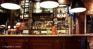 En og annen whiskyflaske i baren, altså.