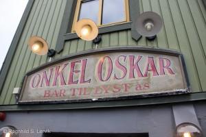 Onkel Oskar, dessverre stengt en onsdag i fem-tiden.